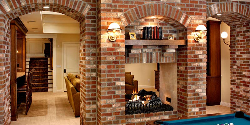 Highlands Fireplace - by Summit Brick Company
